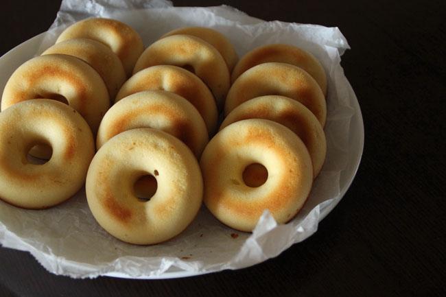 揚げない焼きドーナツ。「なんでも多く作っちゃって、近所のママ友によくお裾分けしています」
