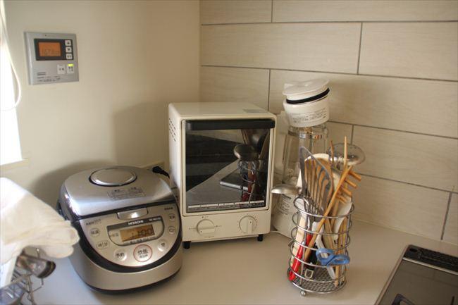 無印良品トースターはデザインに惹かれて購入。サイズ的に、パンか餅を焼くのにしか使えないのが少々不満