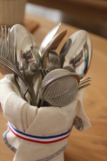 パートナーは台所グッズに無頓着だったが、彼女と付き合うようになって、カトラリーにもこだわる楽しさを覚えた