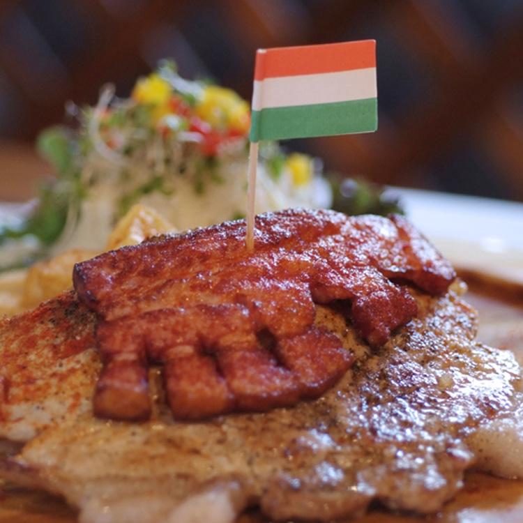 『食べられる国宝』を食べたい! ~ パプリカ ドット フ Paprika.hu (ハンガリー料理)