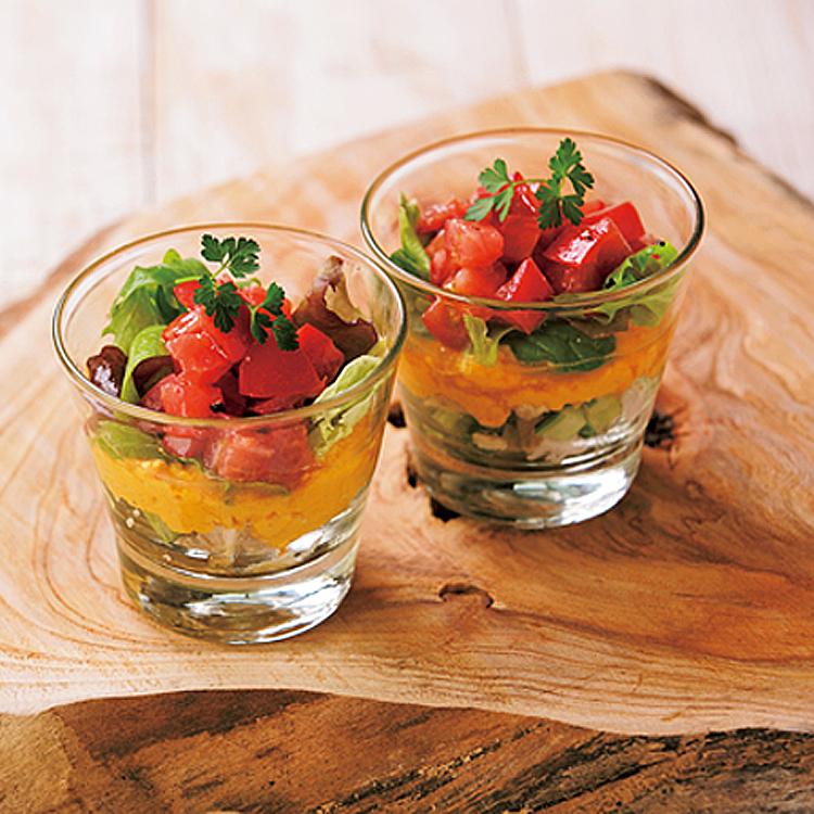 〈3〉にんじんの優しい甘さとクミンの風味が相性抜群 にんじんフムスのカップサラダ