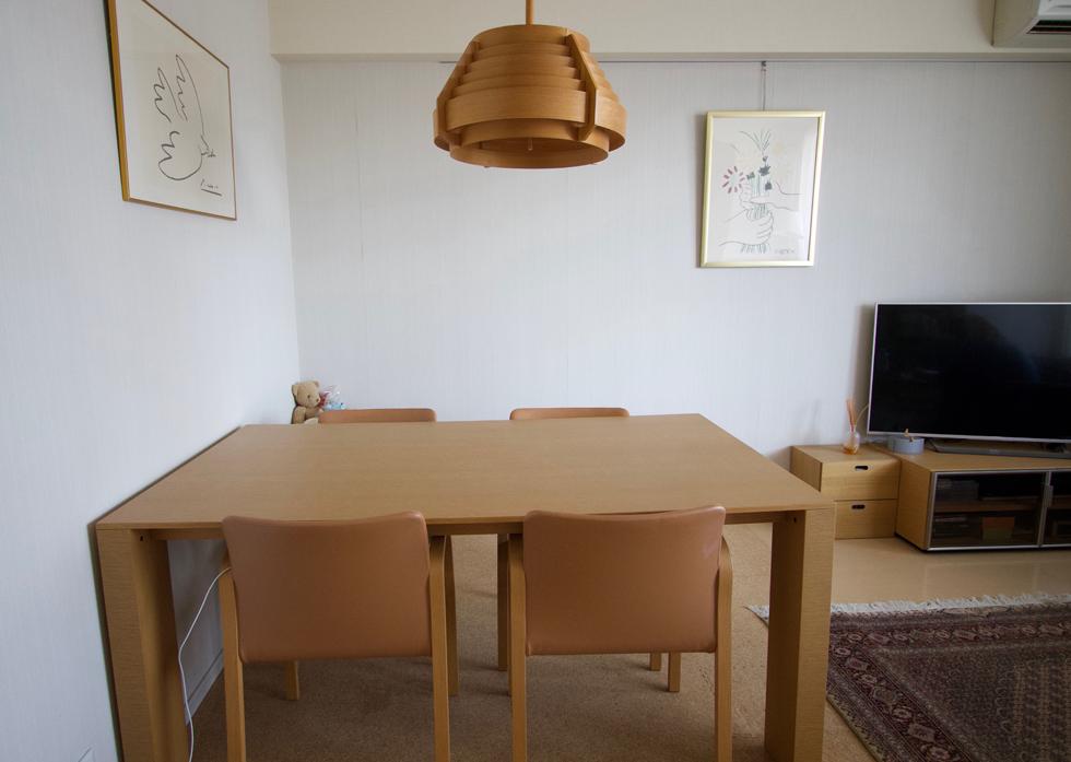 両親からの引っ越し祝い金で買ったアルフレックスのテーブルと椅子