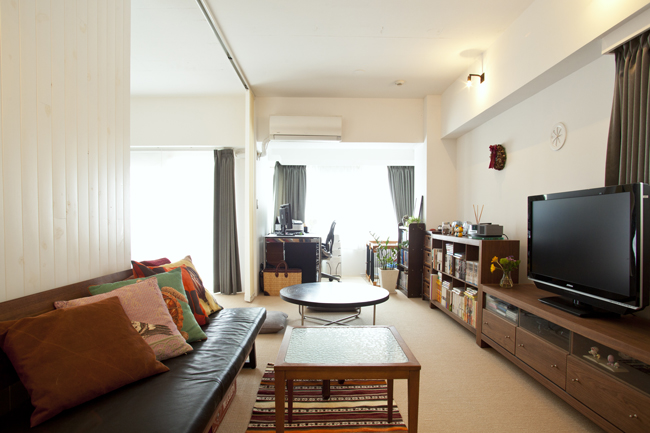 〈リノベーションスタイル〉<58>ザイルの床、羽目板の部屋、レンガの壁