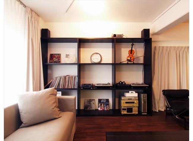 高級家具が主役のシンプルな空間