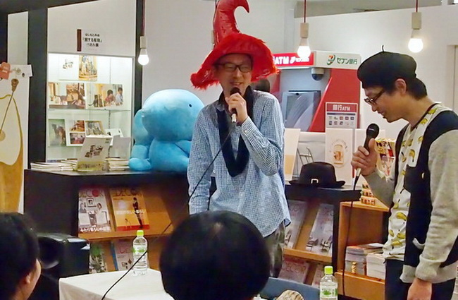パンのことをもっと知りたくて、同好の編集者やデザイナーらと結成したのが「パンラボ」。メンバーの漫画家・堀道広さん(右)と