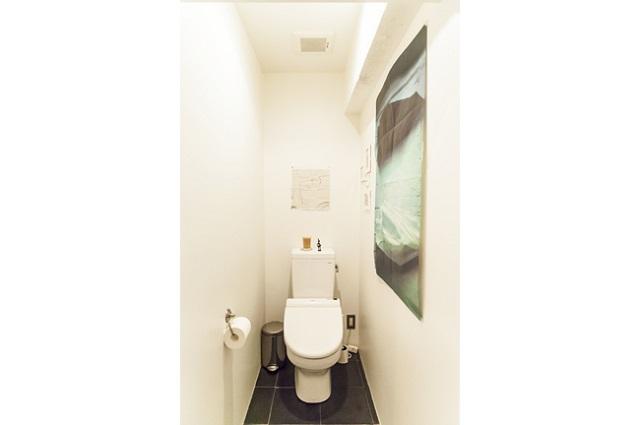 トイレなど水回りの床はすべて同じタイルに揃えた