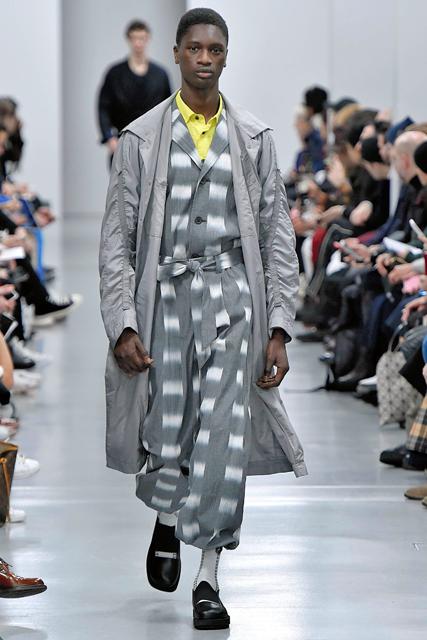 西陣織、手仕事の美を世界へ イッセイミヤケ、パリ・コレで「絣」