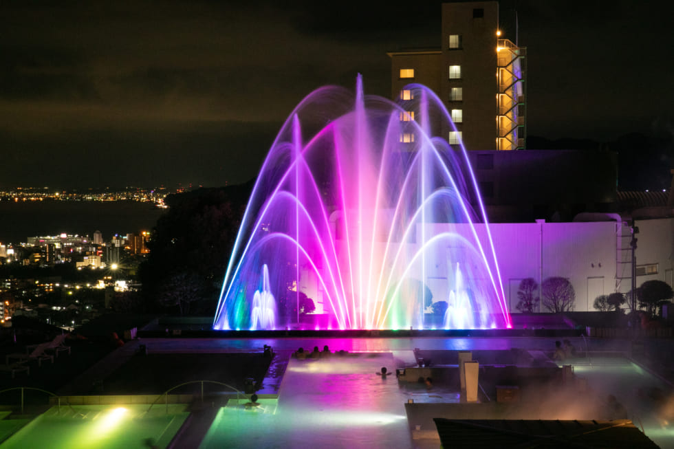 水と光と音の噴水アート