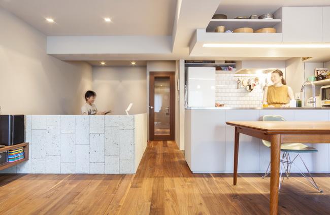 キッチンとワークスペースでのコミュニケーションも取りやすい設計