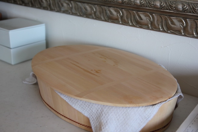 料理研究家、松田美智子さん監修の寿司桶。邪魔にならないこぶりなサイズと楕円形がお気に入り