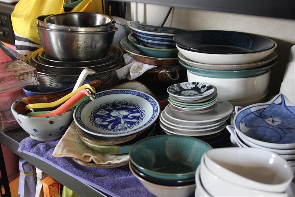 器は生協や旅先で買う。豆皿が好きでついついたまっていく