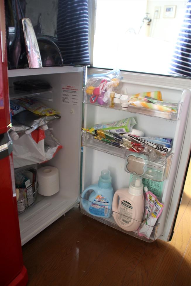 """洗剤、衛生用品などこまごましたものが結構入る""""冷蔵庫収納"""""""