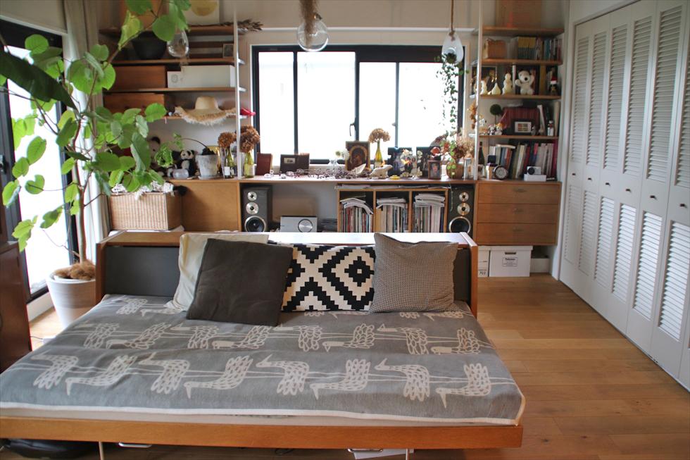 ハンス・J・ウェグナーのソファベッドはヴィンテージ。リサイクル店の掘り出し物