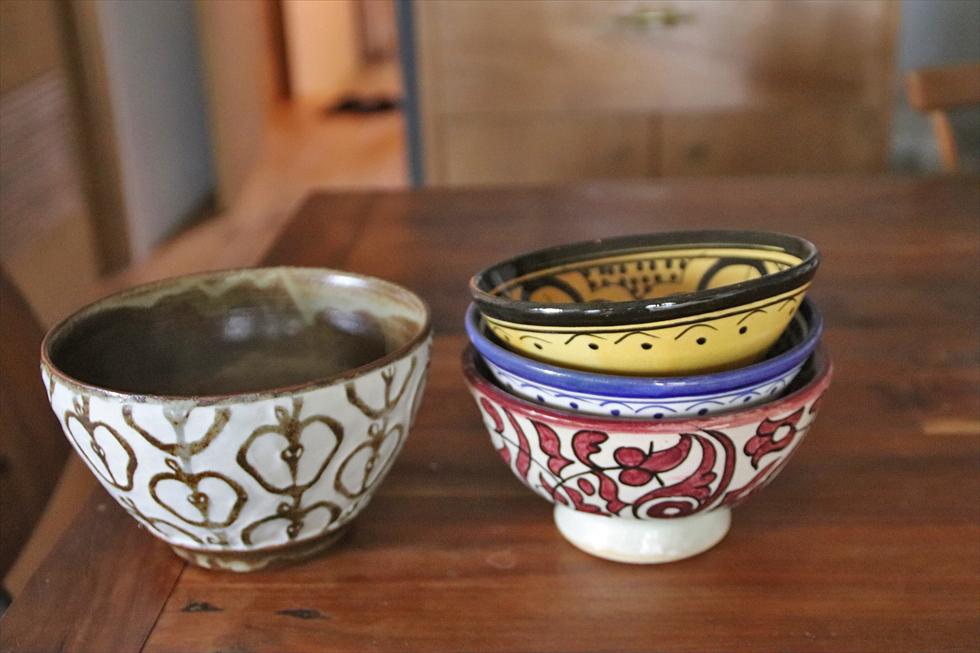 左は益子、右はモロッコで購入。益子は新人作家のもので北欧っぽさに惹かれた