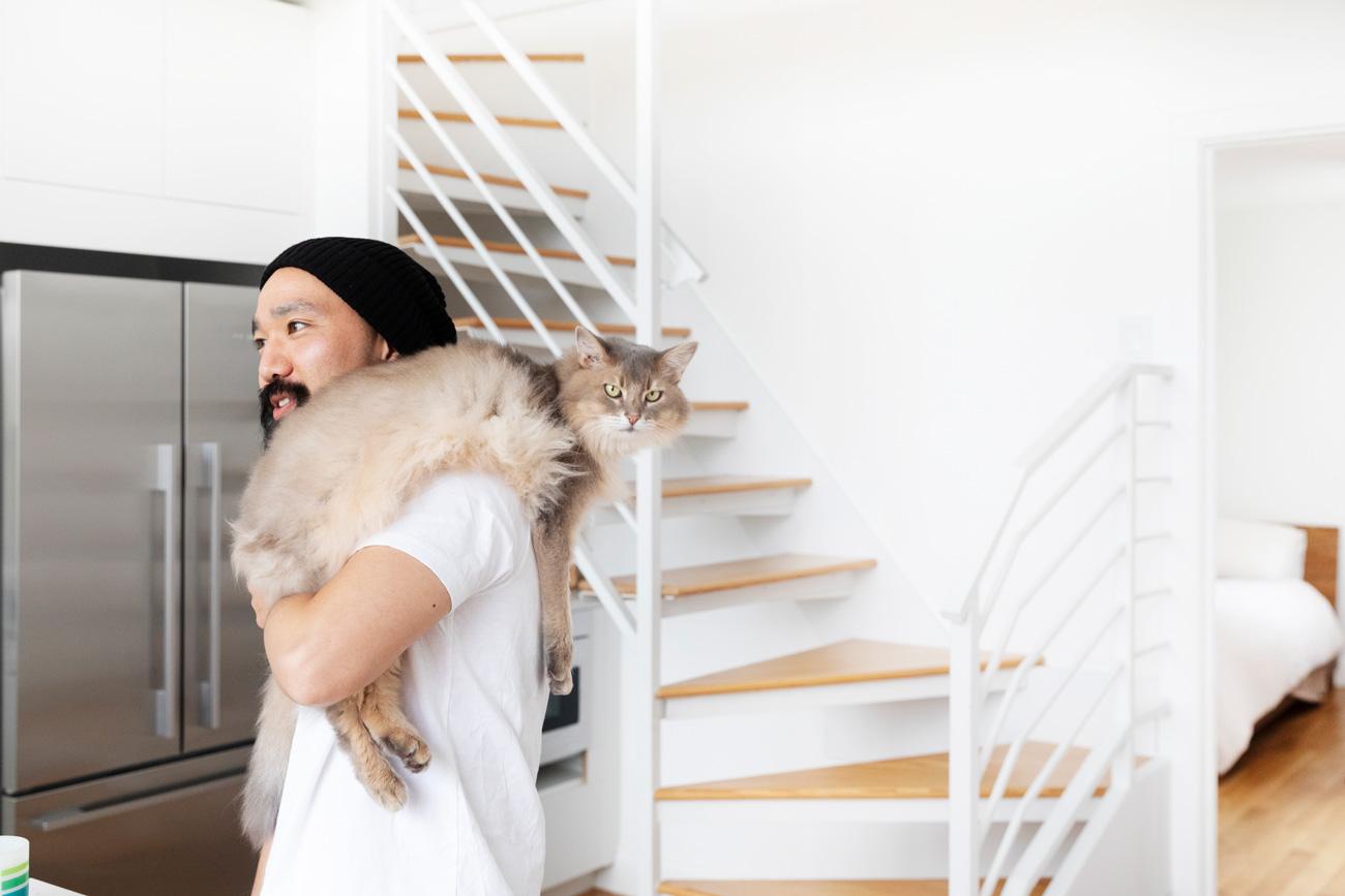 どんな猫も手なずける、元キャットシッター夫婦