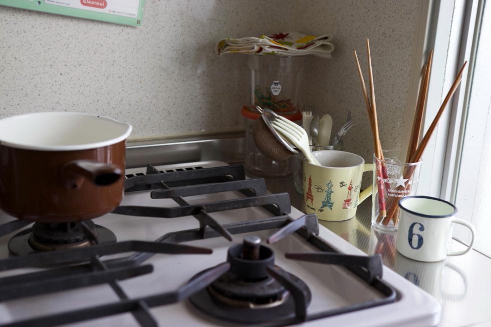 野田琺瑯(ほうろう)のミルクパンは、冬、ストーブの上に置く