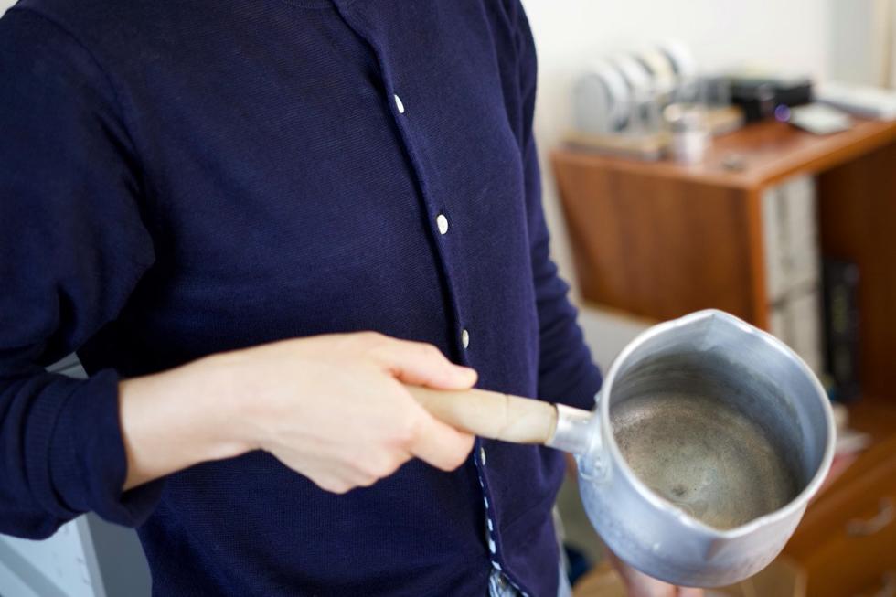 素麺のつゆ用片手鍋。自宅から持参。100円ショップだが頑丈で使いやすい