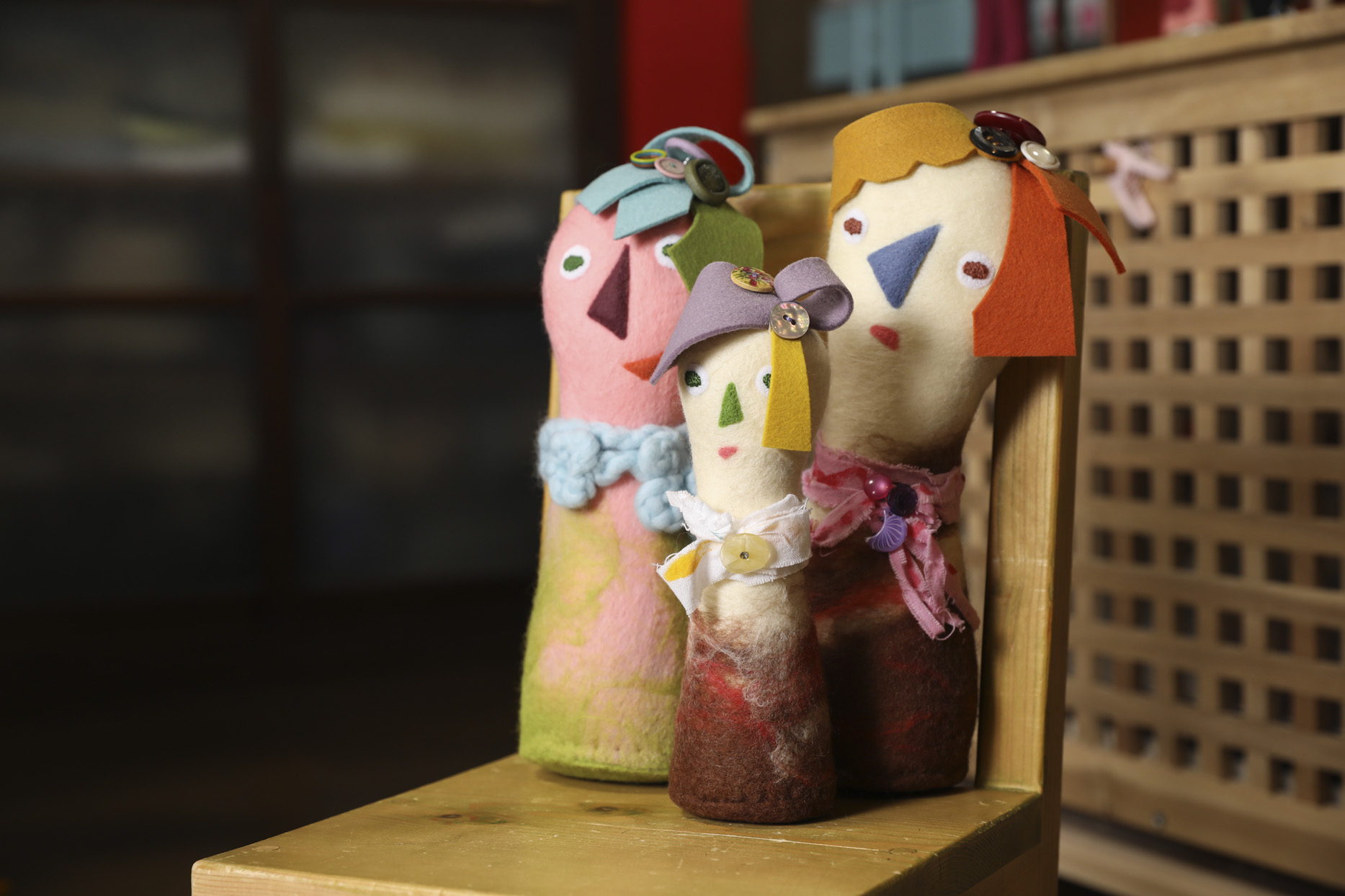 <あでりいの作品>「エルテレちゃん」 異国のこけし人形のような、おすまし顔のお姉さん