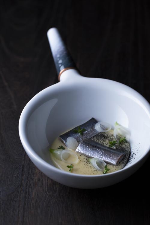 「海」をキャンバスに、気鋭のシェフが描く料理