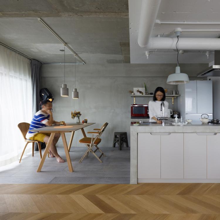 素材選びにこだわって、シンプルな家が個性的に