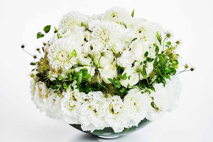 声をあげて泣く母、不器用に支える父 2人に癒やしの花束を