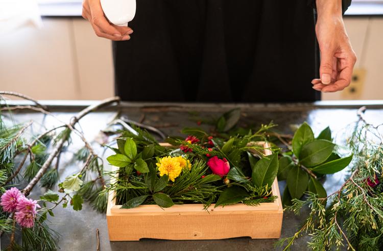 縁起物を自由につめる 花のおせち「あらたま箱」(日本)