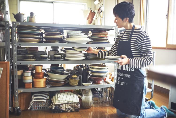 #13 食器棚を整える。