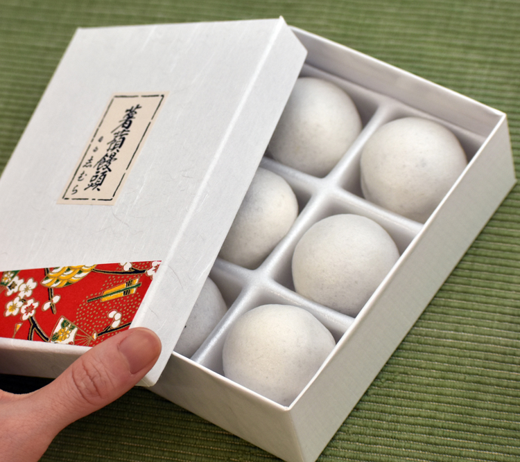 「目白 志むら」の姫薯蕷饅頭 小林研一郎さん