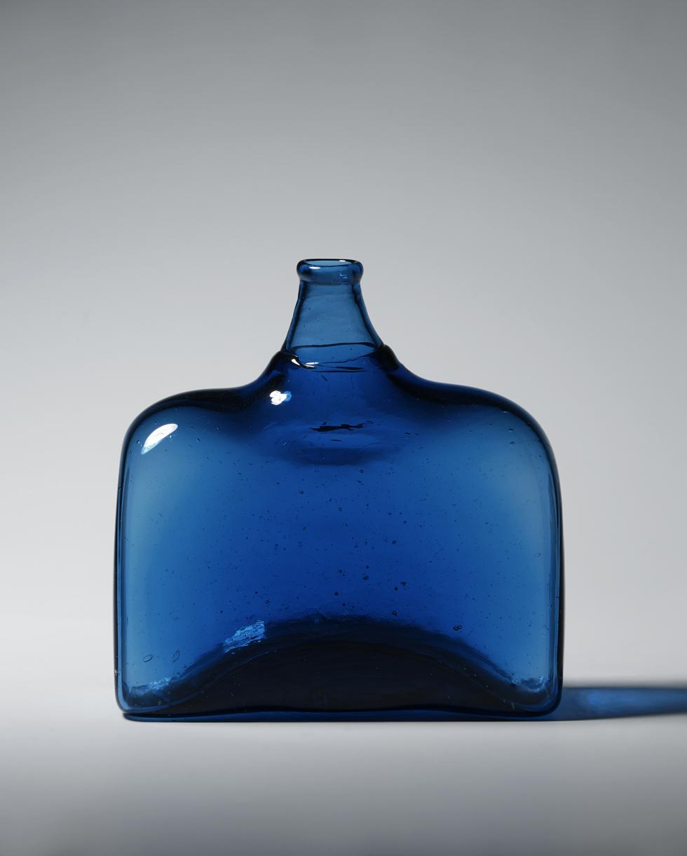 角酒瓶 H11.8×W11.7cm