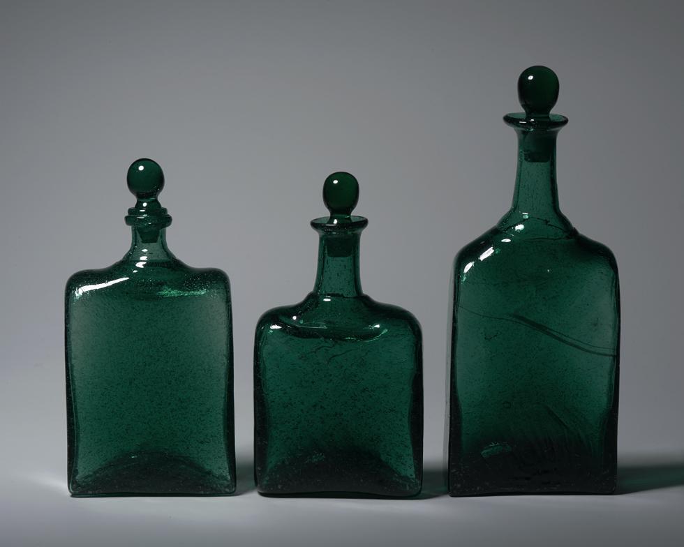 角偏瓶 左からH14.4×W7.3cm、H13.8×W7.5cm、H18.5×W7.6cm