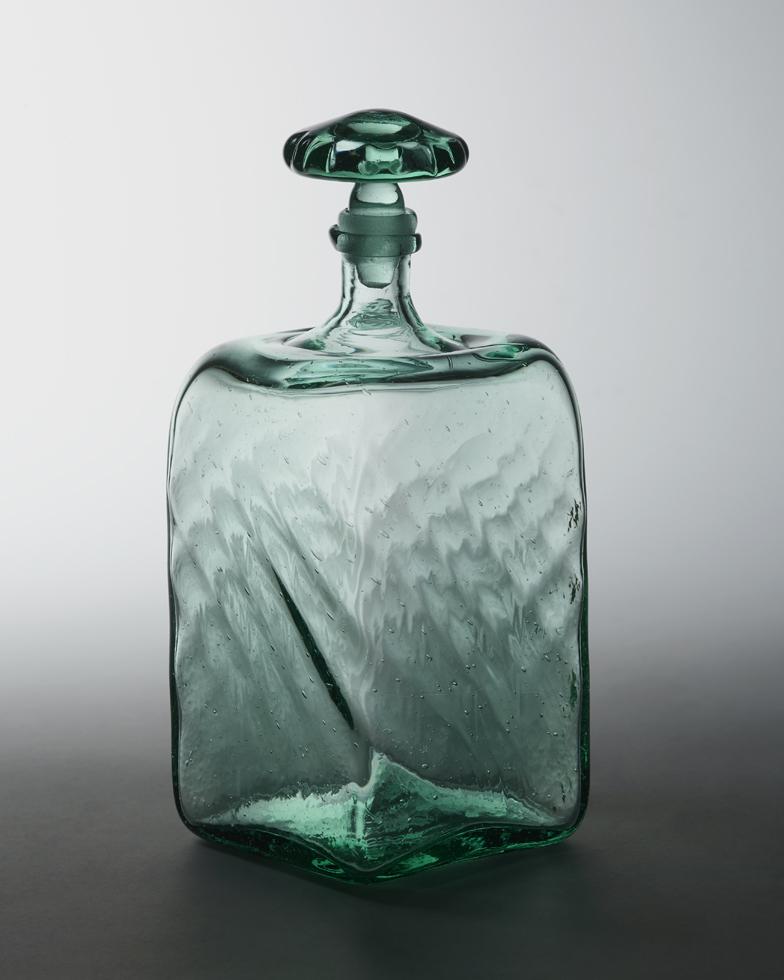 線入り角酒瓶 H15.8×W8.2cm