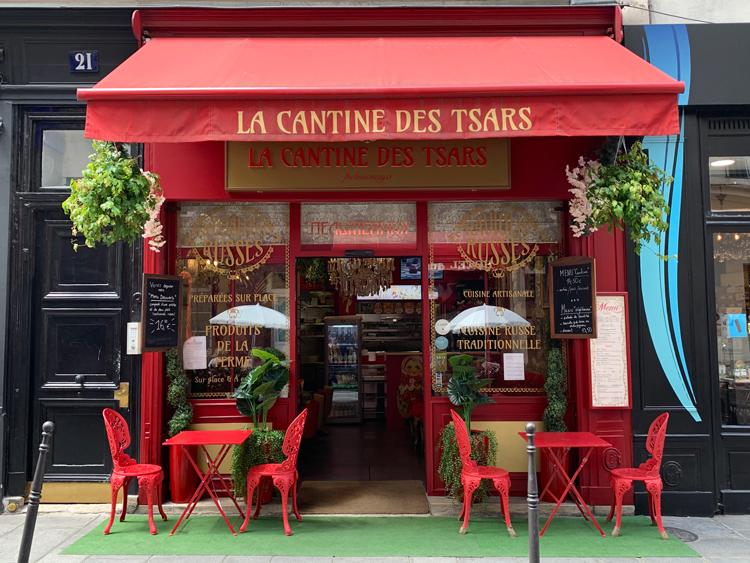 具は豚肉だけ、タレも添えない潔さ。ぷりっぷりロシアン餃子/La Cantine des Tsars