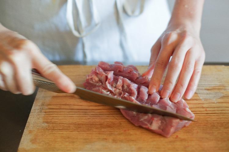 ぶどうとすだちを使った、やさしい黒酢酢豚