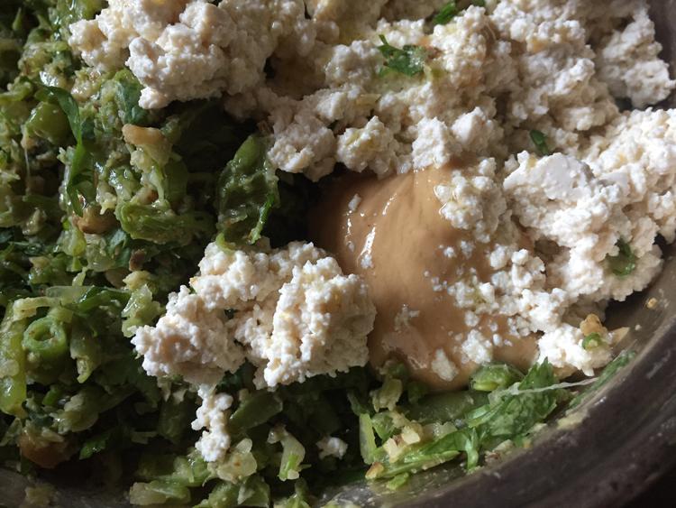 パクチー好き集まれ! スパイス香る、インゲンと豆腐のおつまみ風サラダ/Colchide