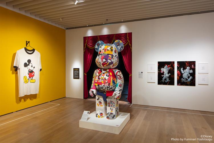 ミッキーマウスがくれる夢と希望。NYで話題のアート展を、自宅でも