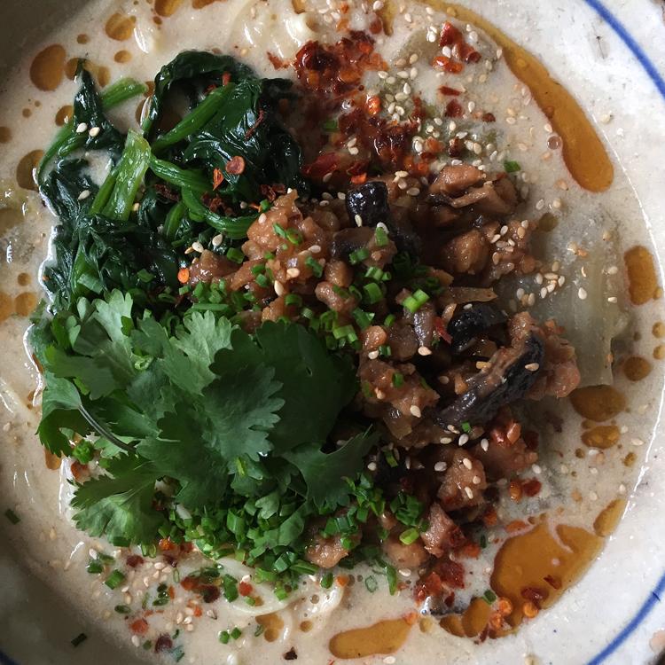 """大豆肉そぼろでパパッとアジア風に。""""おうちで外国ごはん""""の頼れる相棒"""