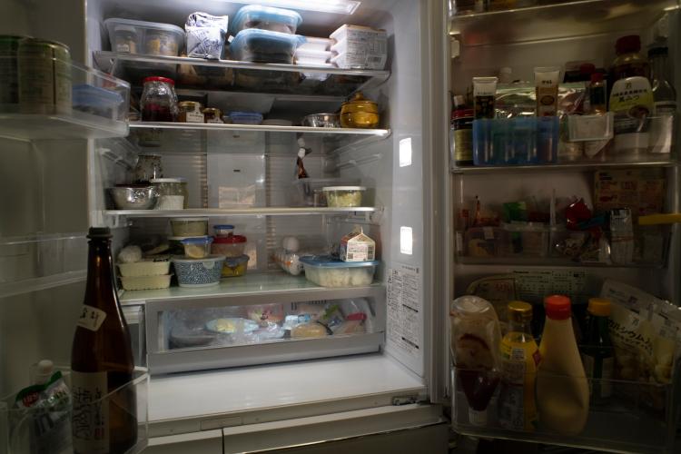 肉、野菜、牛乳は週2回取り寄せ。それ以外はアマゾンかスーパーで買う