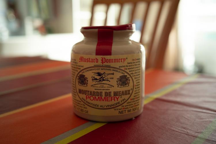 <切らしたら困るもの> ポメリー粒マスタード(ポメリー)。辛すぎない適度な酸味が魅力