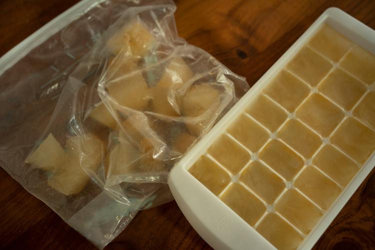 2週間に一度だしをとり、冷凍している。一度に数個使用
