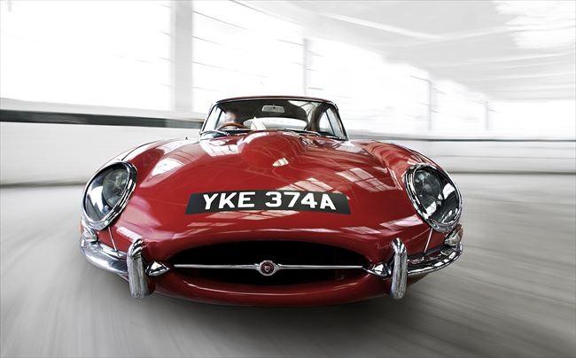 1961年から64年のシリーズ1はコンパクトなグリル