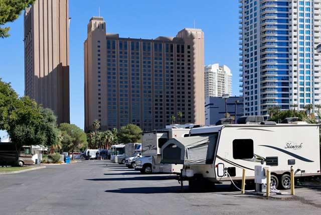 アメリカのキャンピングカー事情 ラスベガスでRVパークを体験