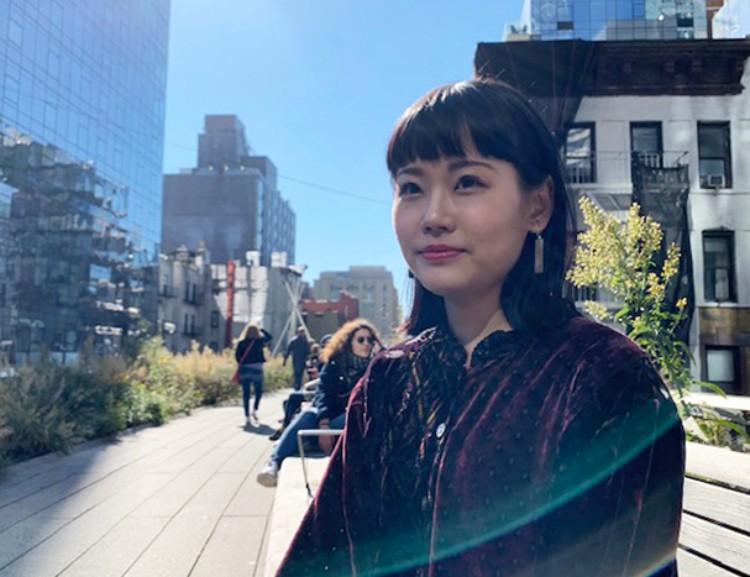 建築事務所DS+Rで働く津川恵理さん。昼休み中に事務所近くのハイラインにて