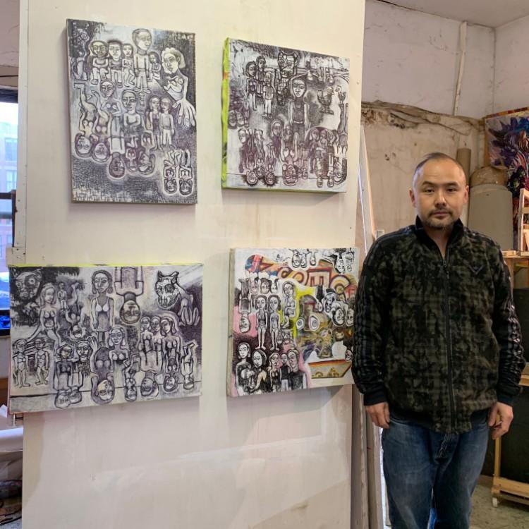 息子のアレックス・クーカイ・シノハラさん。彼も同じアトリエで制作している。絵画作品はどれも力強い