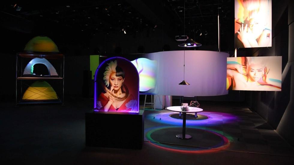 クリエイターによって具現化された光の3原色「RGB」の展覧会、「PHENOMENON: RGB」