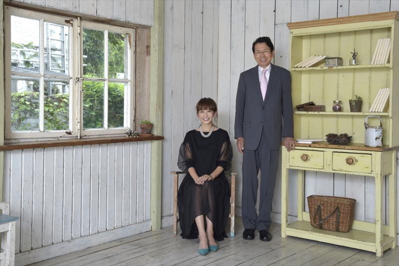 優木まおみさん(左)と豊島逸夫さん