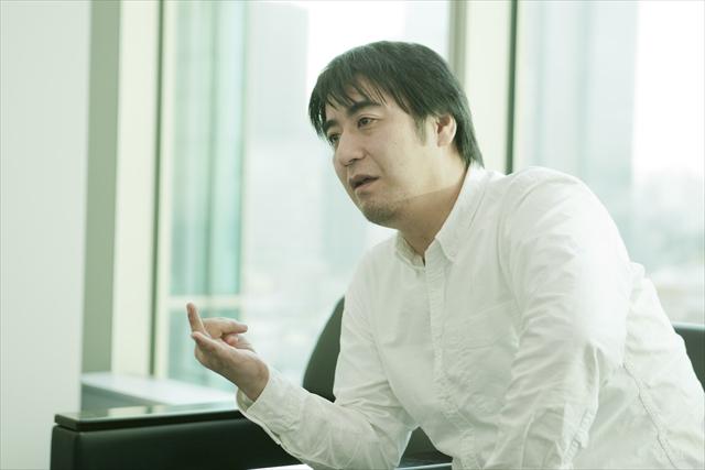 佐久間宣行(さくま・のぶゆき) テレビ東京所属の番組プロデューサー、演出家。『ゴッドタン』『NEO決戦バラエティ キングちゃん』『おしゃべりオジサンと怒れる女』など数々のバラエティー番組で斬新な企画を展開。『ゴッドタン キス我慢選手権 THE MOVIE』や『ゴッドタン マジ歌ライブ』など、番組の枠を超えたコンテンツも少なくない。著作に『できないことはやりません ~テレ東的開き直り仕事術~』(講談社)