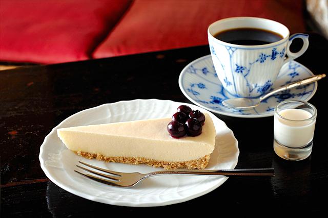 「トロワシャンブル」のチーズケーキ・レア