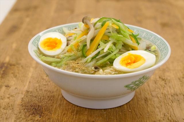 ピーマン、しめじ、卵などで作る「タンメン風」
