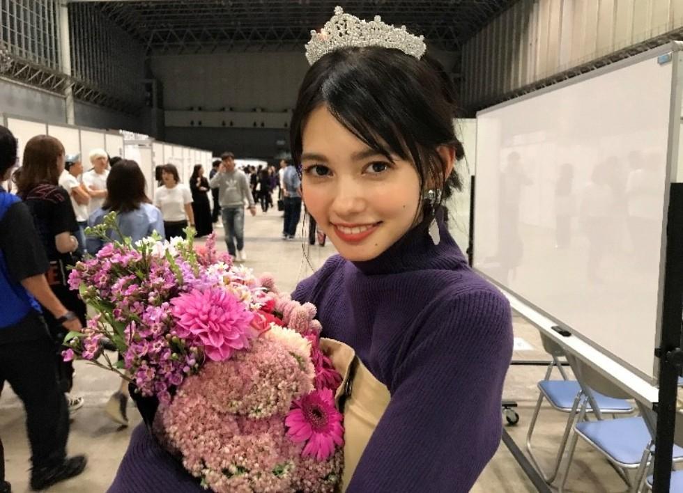 コスメ好き高校生・愛花(えりか)が『ViVi』専属モデルになるきっかけはクイズ大会