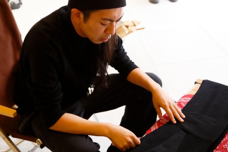 菅さんは「超」がつく古着好き。スノーピークのウェアにもマニアがうなるディテールをさりげなく取り入れているという